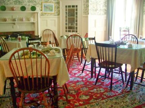 Birchwood Inn - breakfast room