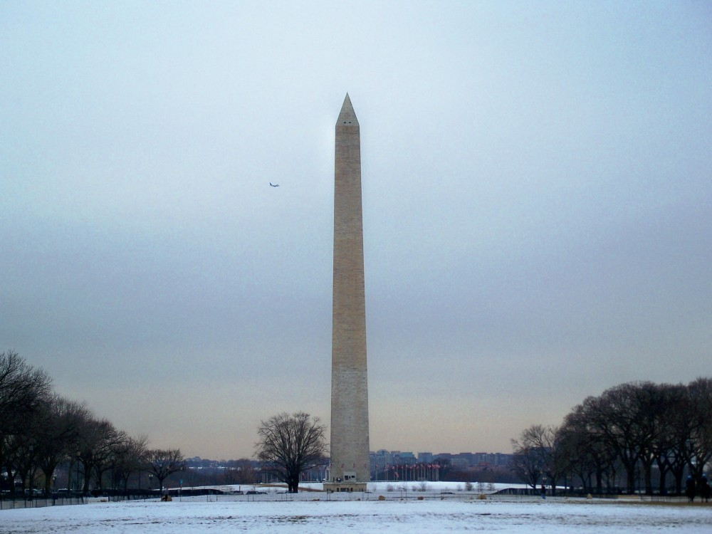 Washington Monument with plane, 31 Jan 2011